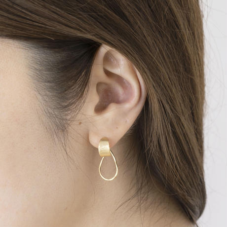 YAP087:クレセントフープピアス /  Brass Hammered crescent hoop Pierce