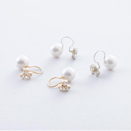 KSE095:3ドットジルコニア&パールイヤクリップ / Cubic zirconia of 3 drop s &Pearl  Ear clip