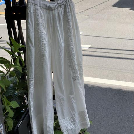 doux bleu  刺繍パンツ ホワイト
