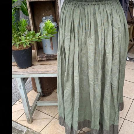 nuu 裾刺繍ギャザースカート グリーン