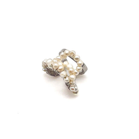 Happiness of the loop earcuff-pearl-smallB