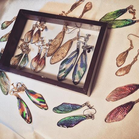 【蝉】Cicada Earring Mini - Glitter Gold -
