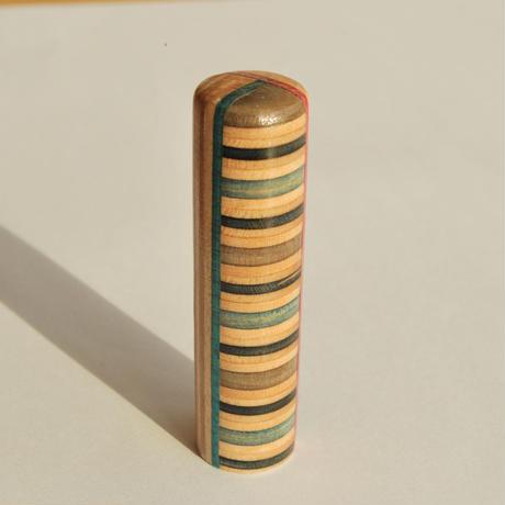 【SARUNO】スケボー廃材の印鑑(15mm)彫刻料とケース(黒のモミ革ケース付き)