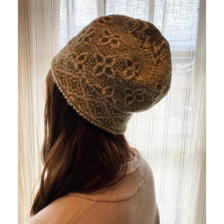 handknitted hat from Sweden khaki flower