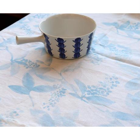 Marimekko 'Kevatilta' linen textile