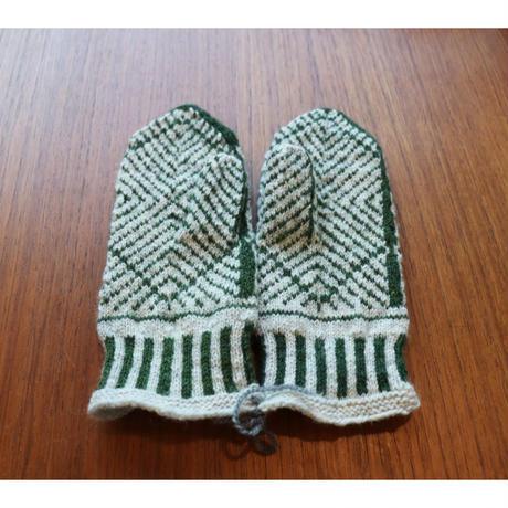 handknitted mitten from Sweden forest green