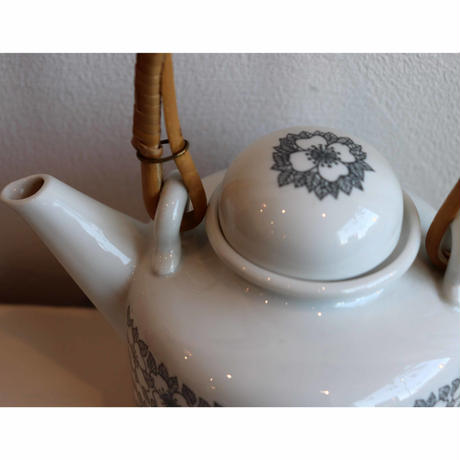 Rorstrand mimosa teapot