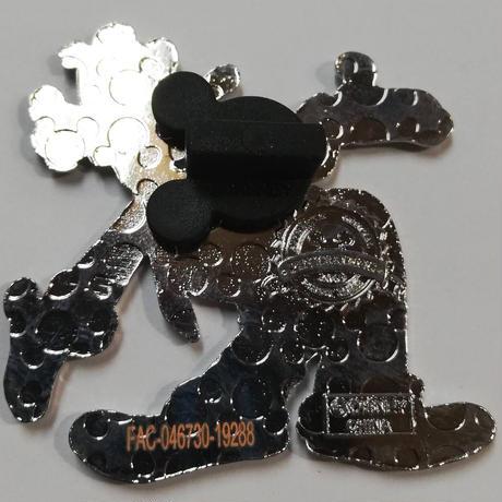 【USA直輸入】DISNEY グーフィ  両手広げて全身型 ピン 2009年 ピントレーディング ピンズ ピンバッジ ディズニー