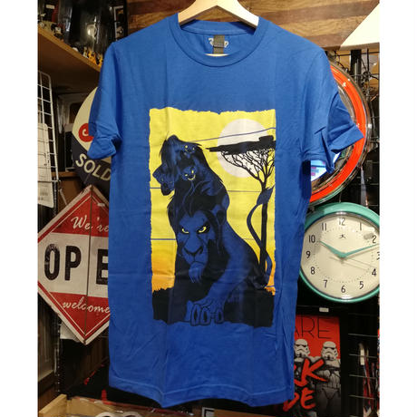 【USA直輸入】DISNEY ライオンキング スカー  ハント Tシャツ ハイエナ ディズニー  ヴィランズ  Lion king  シェンジ バンザイ エド