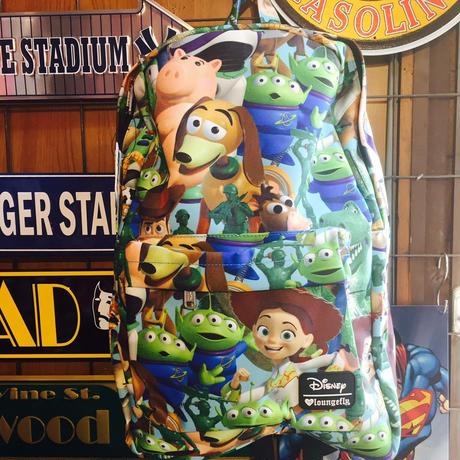 【USA直輸入】Disney トイストーリー バックパック リュック  ラウンジフライ ロゴ入り 総柄 toystory ディズニー