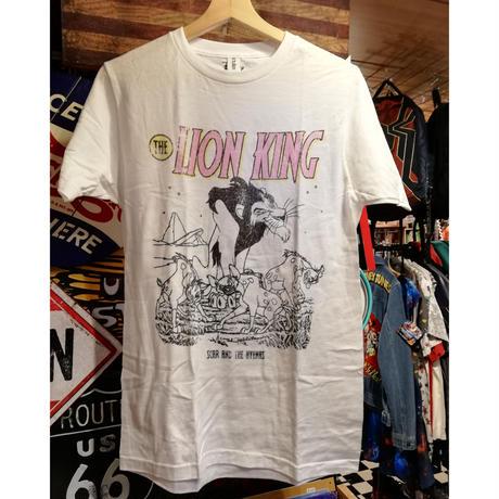 【USA直輸入】DISNEY ライオンキング スカー  カバー 白地 Tシャツ ハイエナ ディズニー  ヴィランズ  Lion king  シェンジ バンザイ エド