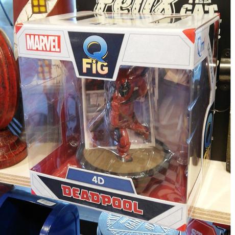 【USA直輸入】MARVEL デッドプール 4D コミック Q-FiG ジオラマ フィギュア  コンタムメカニック Deadpool  デップ マーベル Qフィグ