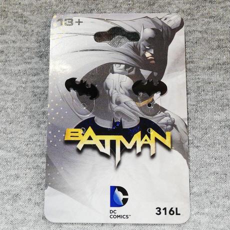 【USA直輸入】DCコミックス バットマン ロゴ ダイカット ピアス 黒色 アクセサリー イヤリング DC ジャスティスリーグ