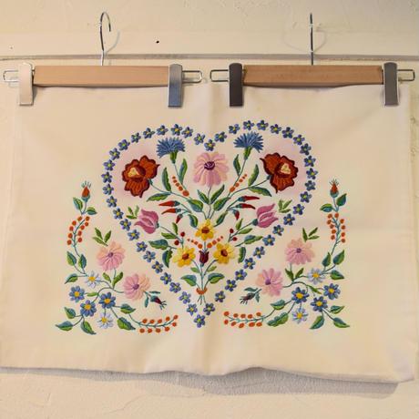 ハンガリー カロチャ刺繍 ピローケース ハート