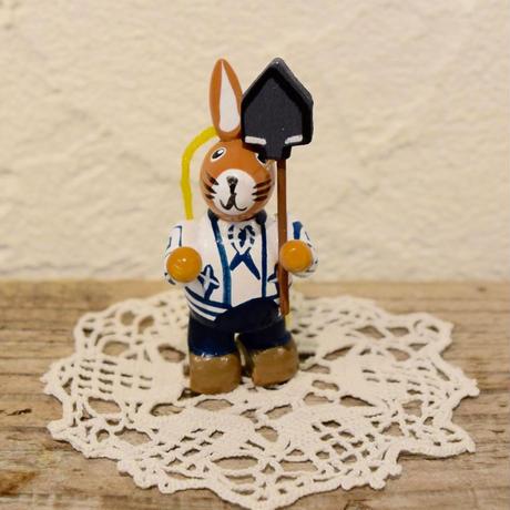 ドイツ ウサギのオーナメント 白いジャケット