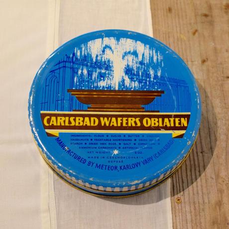 チェコ お菓子の缶 噴水