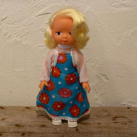 旧東ドイツ 花柄ワンピースの女の子 デッドストック