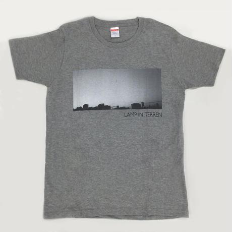 LAMP IN TERREN / PHOTO T-Shirts(グレー)