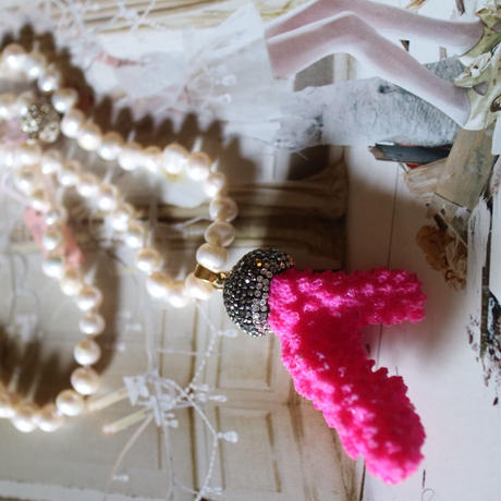 Pearl /pink coral long necklace