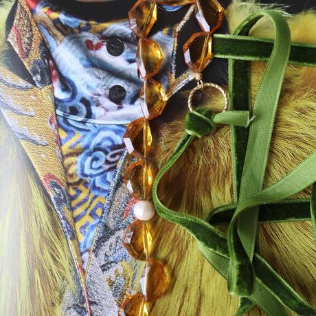 Vintage glass necklace Y