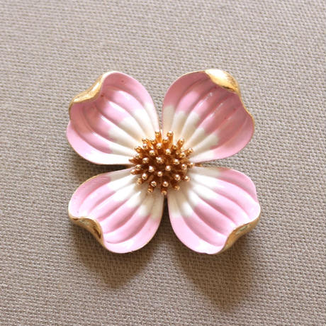 Crown TRIFARI/クラウントリファリ ハナミズキ ピンク (大) ヴィンテージブローチ