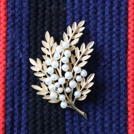 CROWN TRIFARI クラウントリファリ /1960's  パールと葉っぱのヴィンテージブローチK