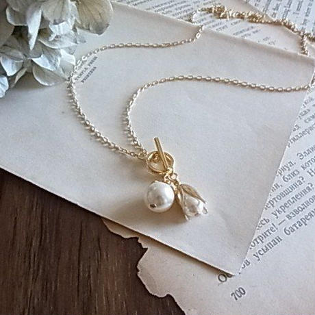 MIRIAM HASKELL pearls buds necklace