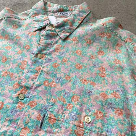 パステル花柄シャツ