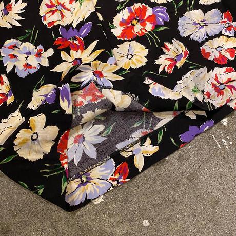 花柄リラックスワイドパンツ
