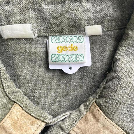 セージグリーンチロリアンシャツ