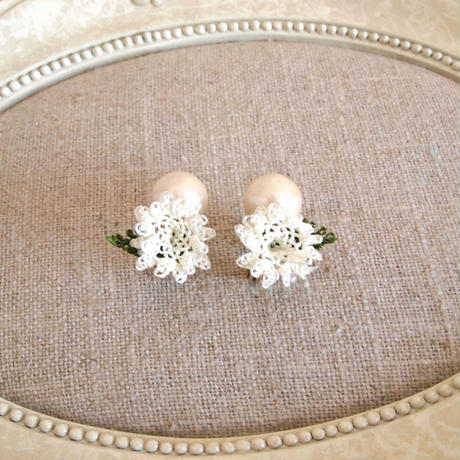 pearl flower Earrings white flower