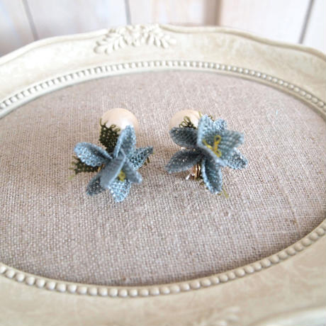 pearl flower Earrings smokey blue flower
