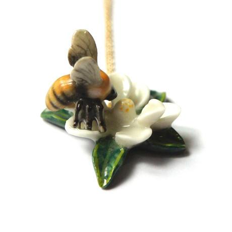 【アメリカ】ミツバチ ネックレス