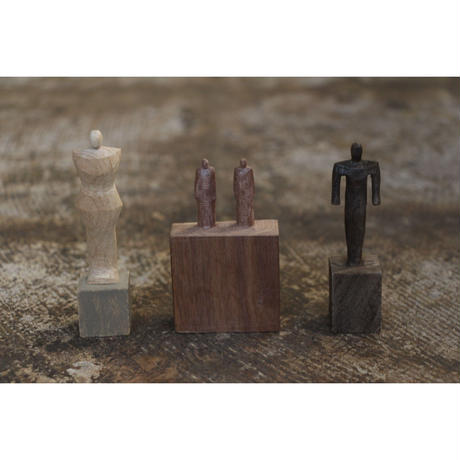 木彫 7cmと二人   Olectronica