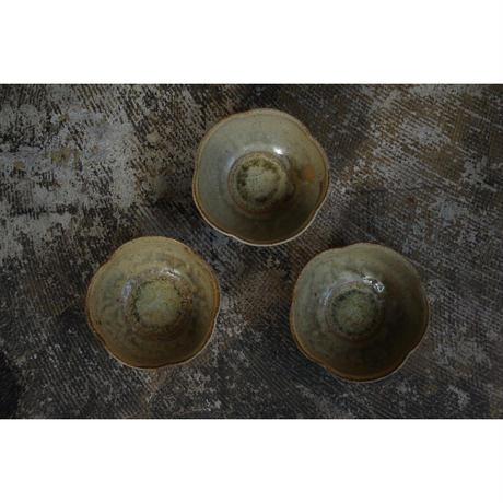 緑灰釉輪花鉢 井上茂