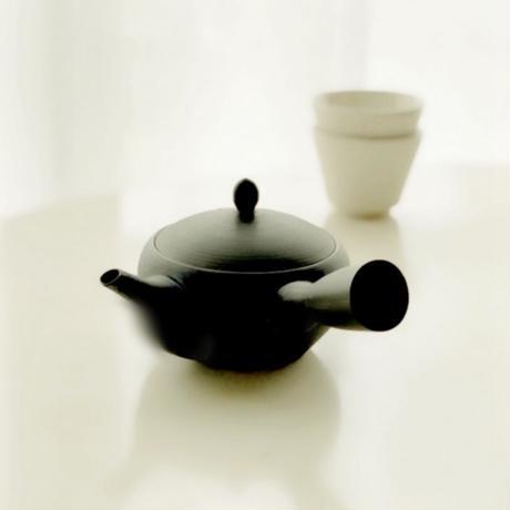 急須・鉄鉢黒練 (南景製陶園)