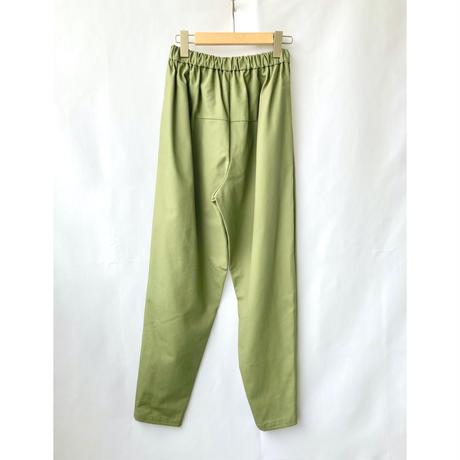 gather taperd pants