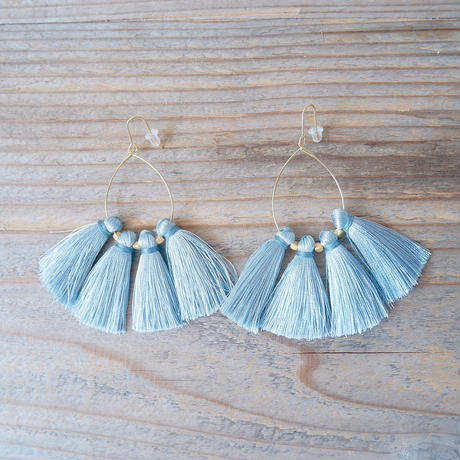 tassel pierce-iceblue-