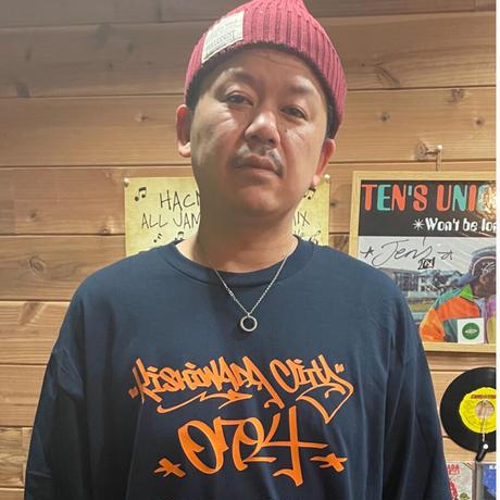 【KISHIWADA CITY】TAGGING Classic Long Sleeve T-Shirt (NAVY)