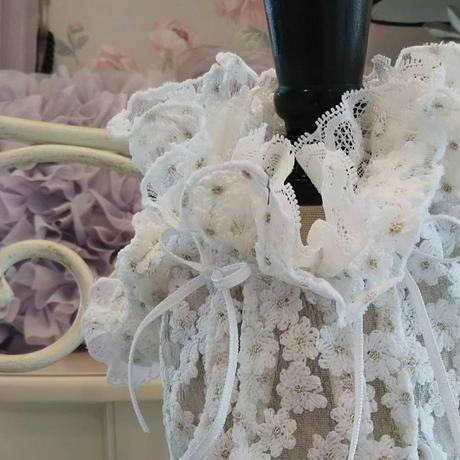 小花刺繍オーガンジーのフリル襟ブラウス^^