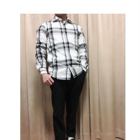 長袖柄シャツ