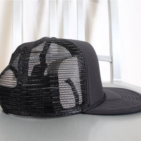 BLACK DIAMOND FLAT BILL TRACKER HAT Black