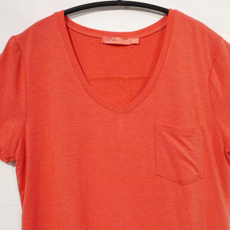 PRANA Womens Foundation  Short Sleeve Tee  V-Neck Rhuberbheat