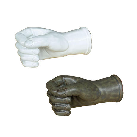 AS POTTERY / WALL HAND