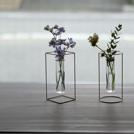 PIKE stand brass vase