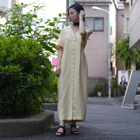 embroidery no-collar long dress