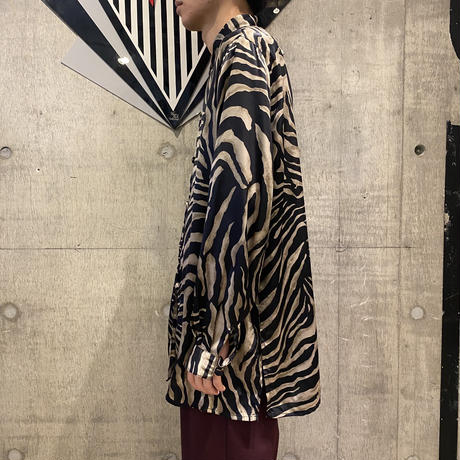 90s zebra patterned shiny shirt