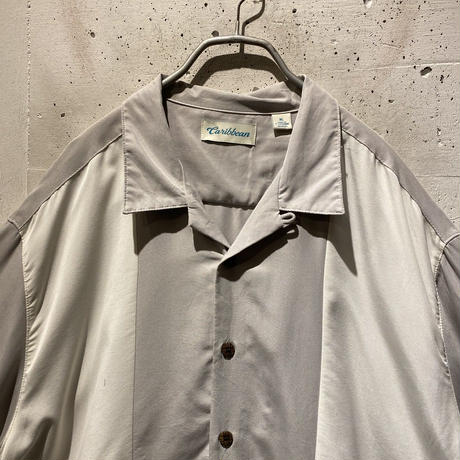 bi-color design open collar shirt