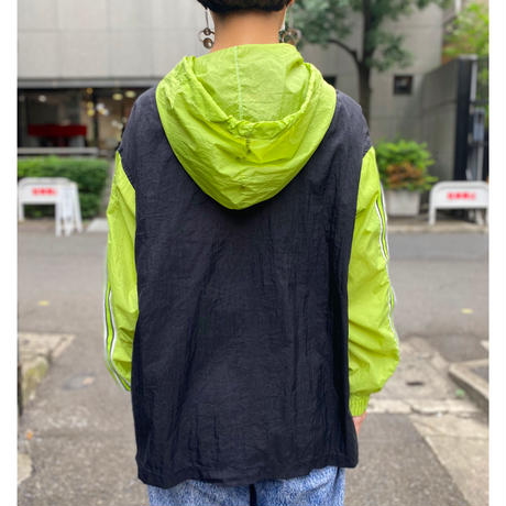 bi-color design nylon jacket