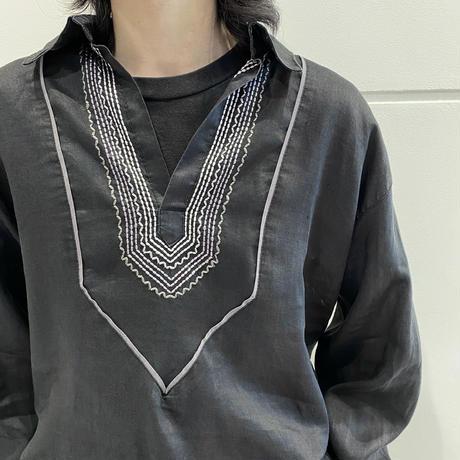 embroidery design black linen shirt